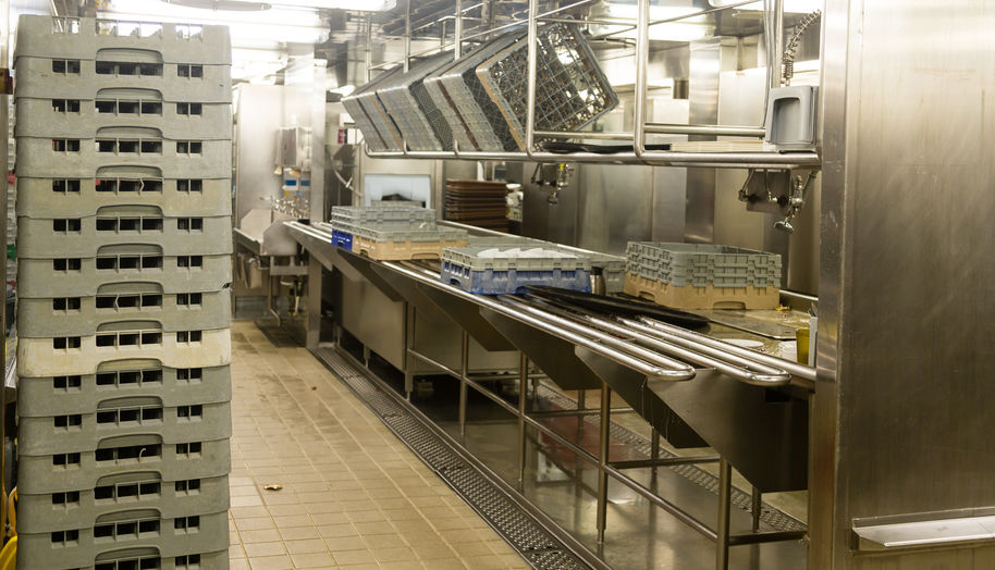 Commercial Dishwasher Care and Maintenance Checklist for a Restaurant Owner